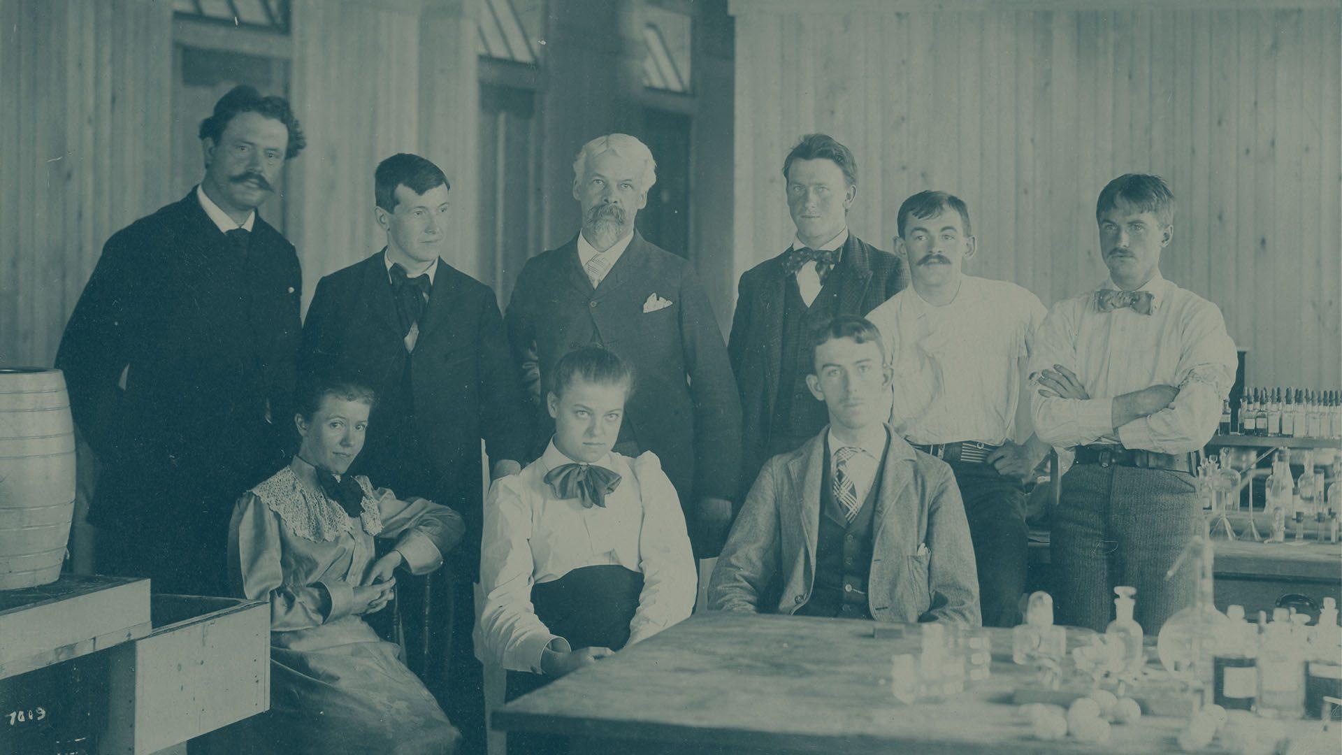 igi-1903-team